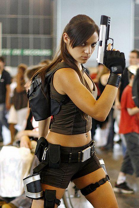 Lara Croft Cosplay (24 pics)