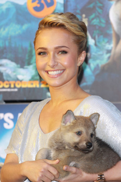 New Best Friend of Hayden Panettier (9 pics)