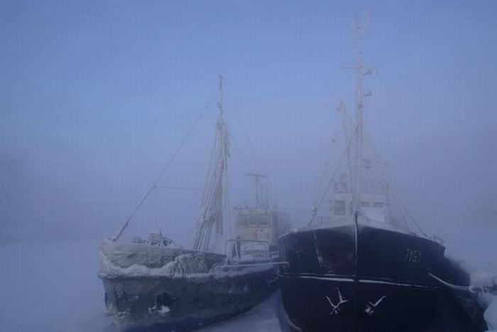 Ships at Winter (15 pics)