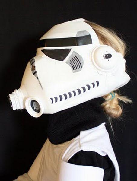 Hilarious Stormtrooper Mask (10 pics)