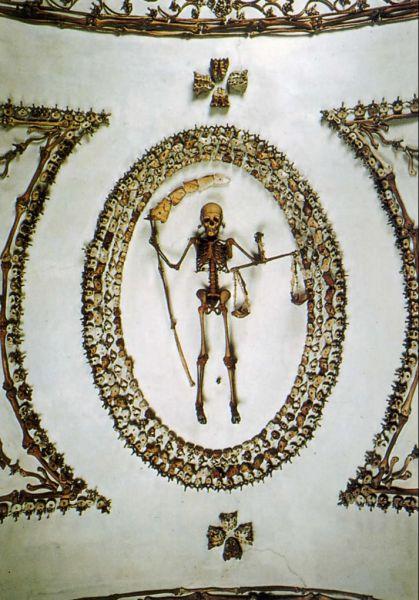 The Crypt of Santa Maria della Concezione (13 pics)