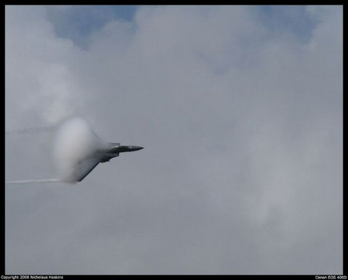 Breaking the Sound Barrier (9 pics)