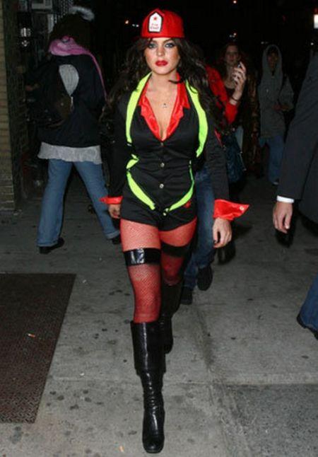 Celebrities in Sexy Halloween Costumes (20 pics)
