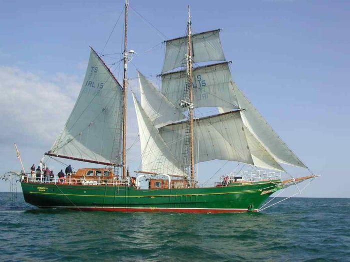 Beautiful Sailboats (31 pics)