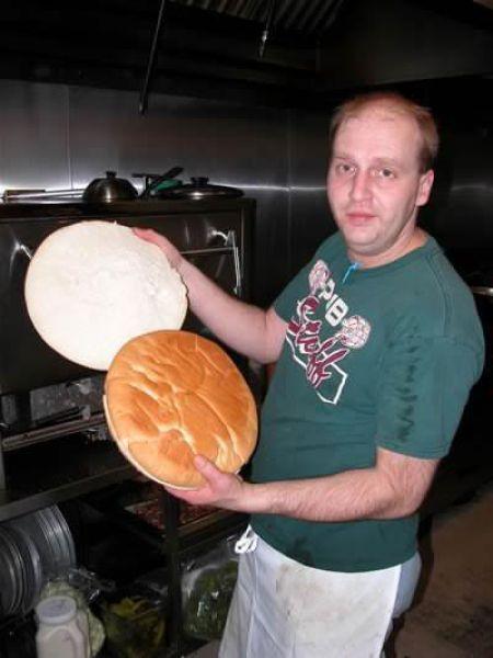 Giant Cheeseburger (7 pics)