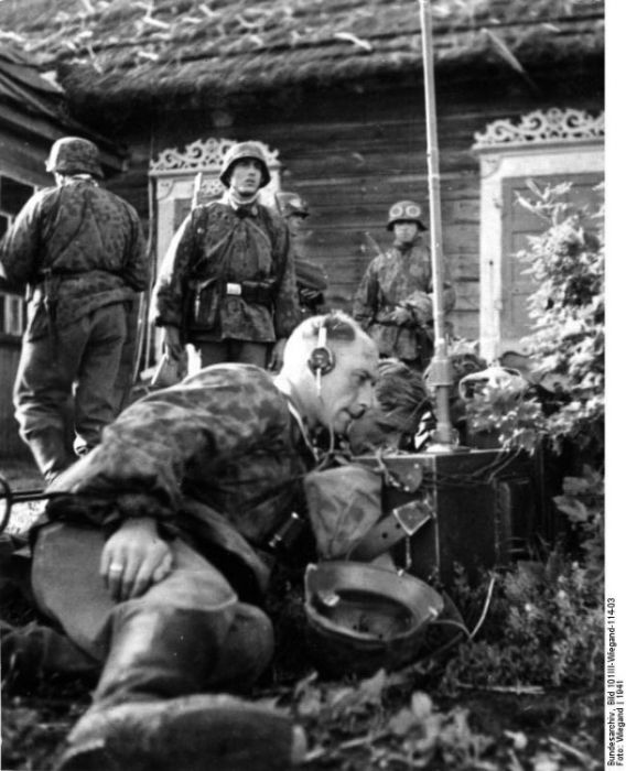 WWII in Pictures (77 pics)