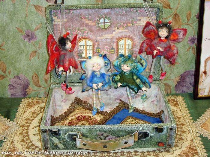Куклы деагостини в народных костюмах