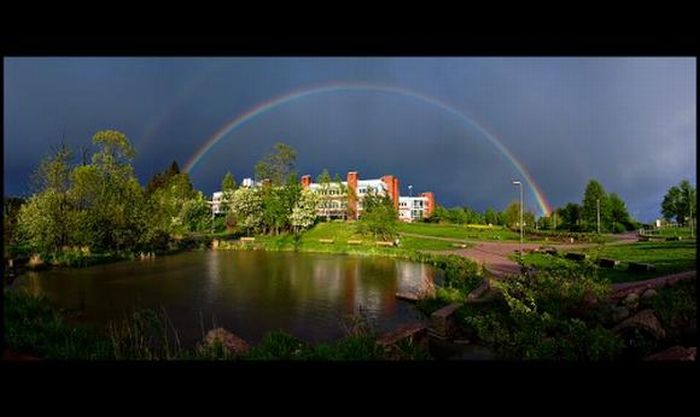 Unusual Places for Rainbows (30 pics)