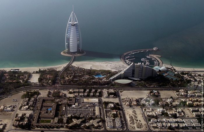 Dubai From Above (8 pics)
