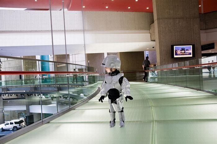 Robocop's Son (20 pics)