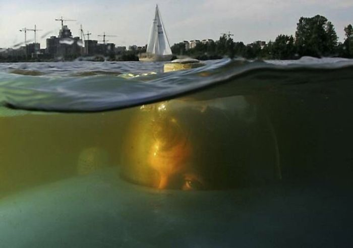 Self-Made Russian Submarine (28 pics)