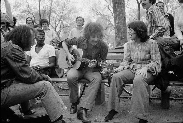 New York City Street Photography 1974 (18 pics)