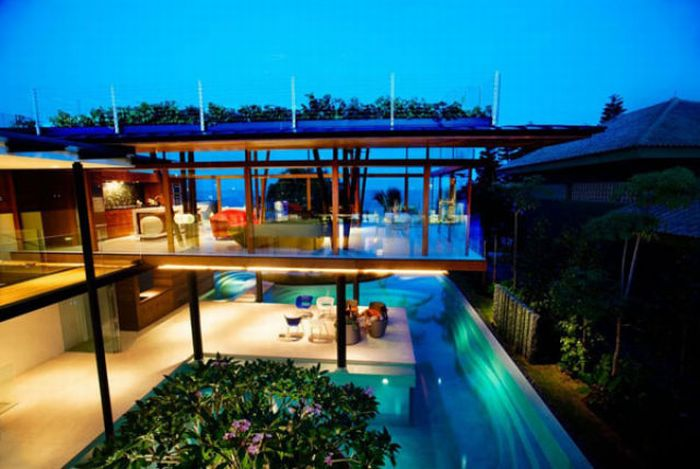 Tropical House in Singapore (19 pics)
