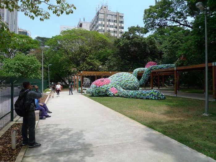 Fat Monkey Statue in Sao Paulo (9 pics)