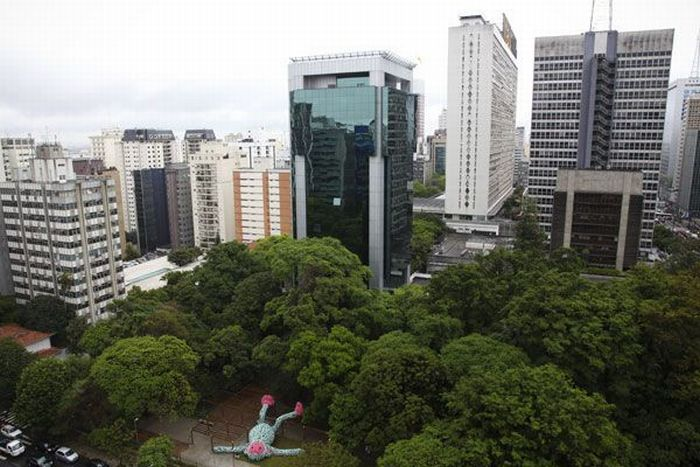 Fat Monkey Statue in Sao Paulo (9 pics)