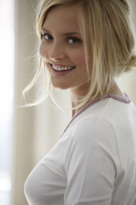 Girl of the Day. Petra Silander (27 pics)