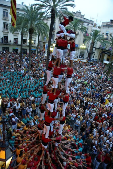 The Human Towers of the Castellers (21 pics)
