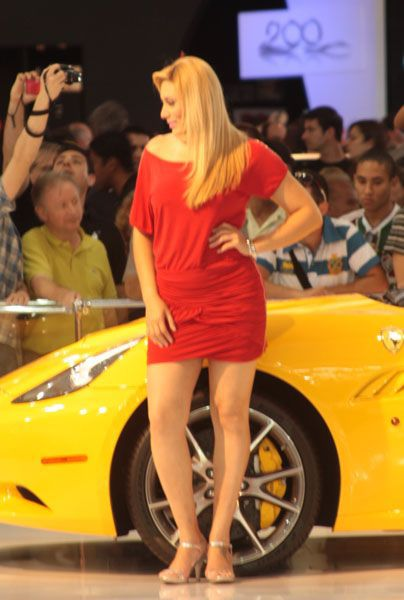 Car Show Models (90 pics)