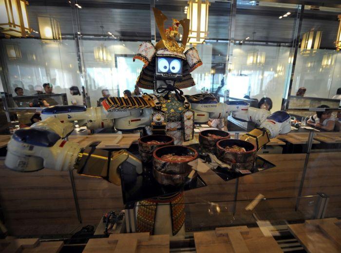 Robots Around the World (33 pics)