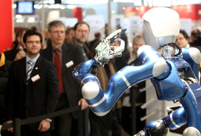 Robots Around the World (33 pics)