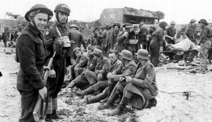 WWII Prisoners (16 pics)