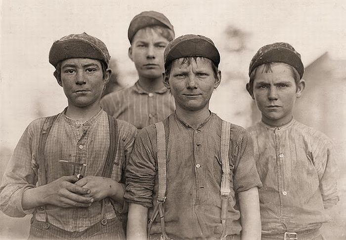 Child Labor in America 1908-1912 (69 pics)