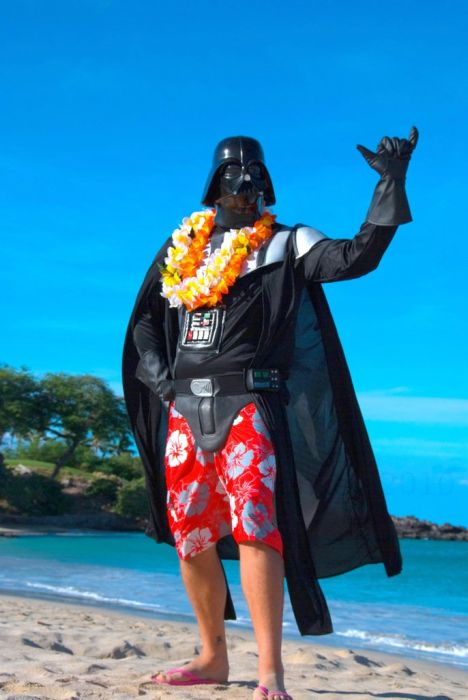 Darth Vader's Hawaiian Vacation (24 pics)
