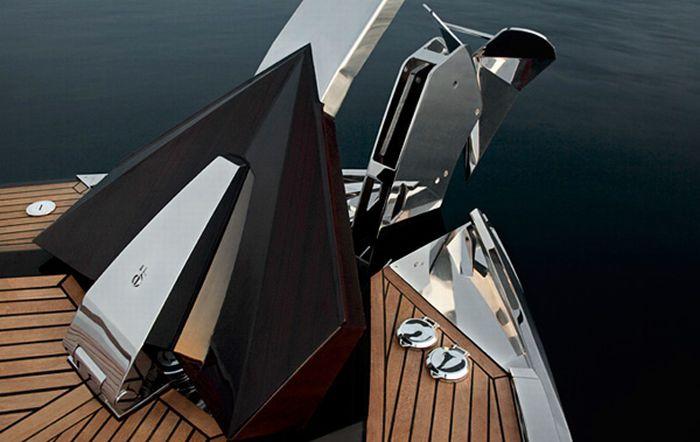 Hedonist Yacht (17 pics)