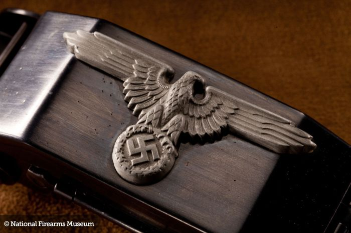 Very Rare German SS Belt Buckle (24 pics)