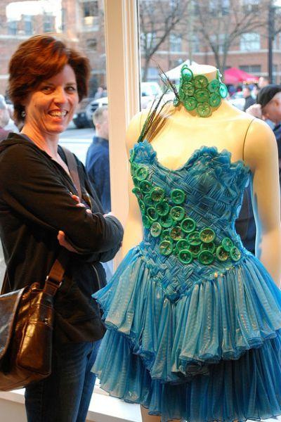 Condom Dresses (25 pics)