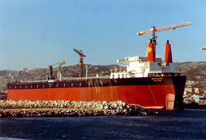 The Construction of Supertankers (36 pics)