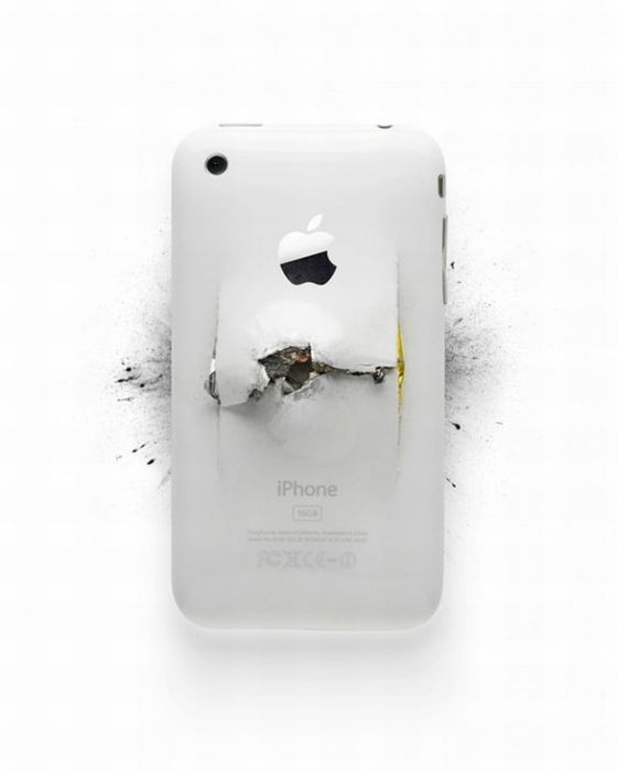 Destroyed Apple Gadgets (19 pics)