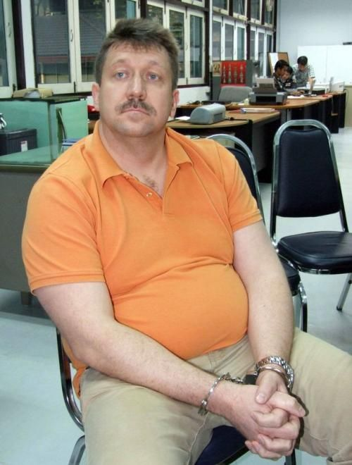 How to Lose 60 pounds (30 kg) in Bangkok Jail (5 pics)
