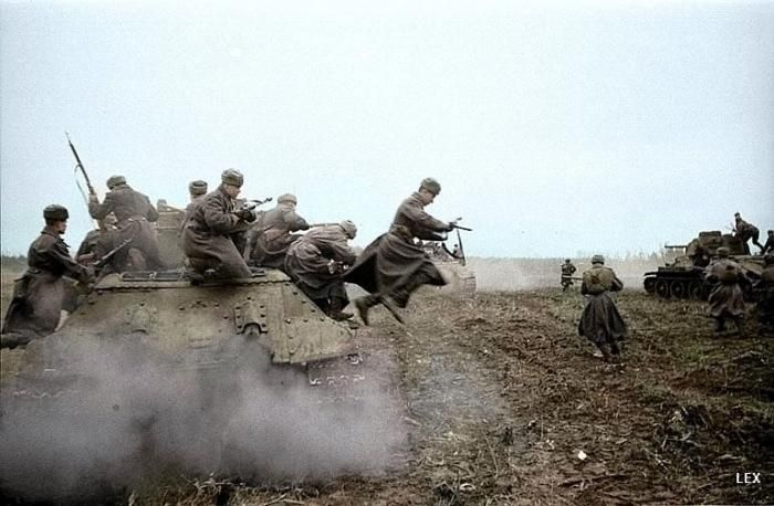 World War II in Color (77 pics)