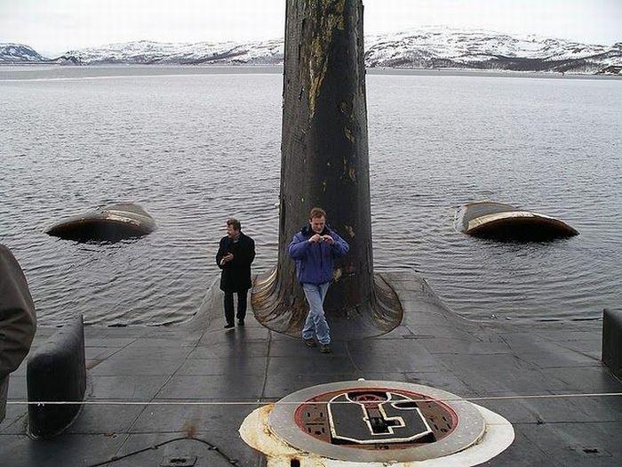 Russian Nuclear Submarine (94 pics)