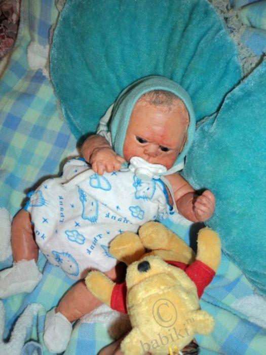 Scary Doll (7 pics)