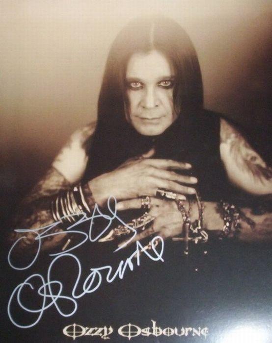 Celebrity Autographs (75 pics)