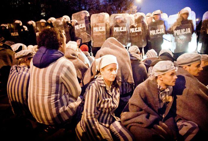 Protests Around the World (50 pics)