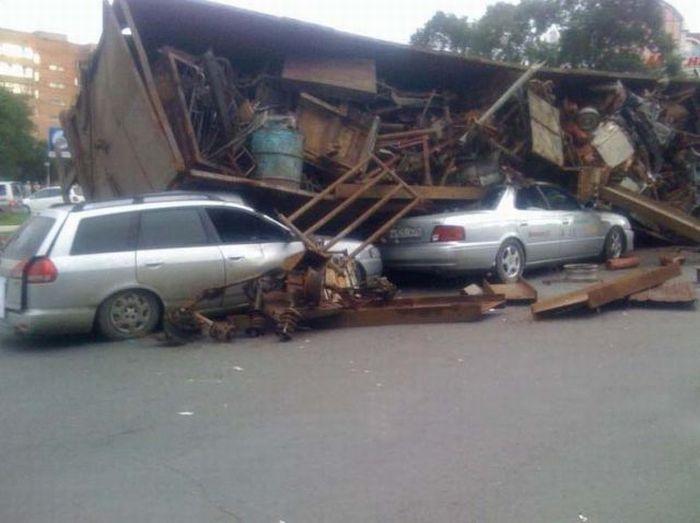 Unscheduled Truck Unloading (6 pics)