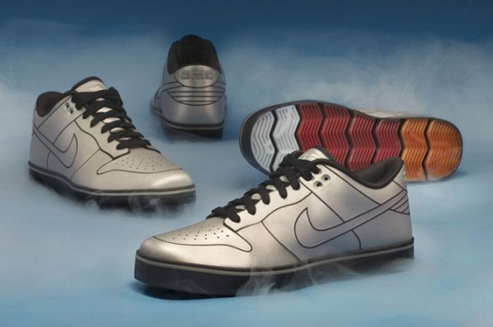 DeLorean Nike Dunk (11 pics)