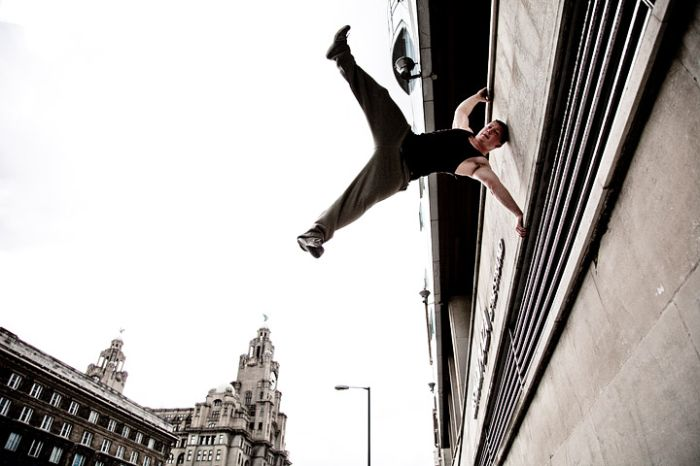 incredible parour photos 09 Incredible Parkour Photos image gallery