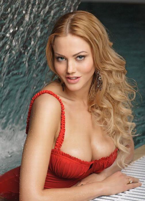 The Hottest Celebrities of Belarus (11 pics)