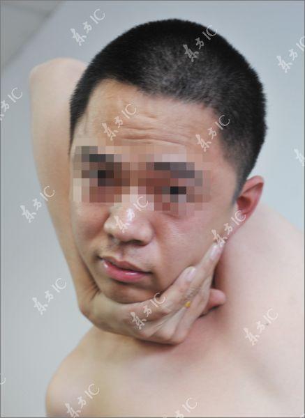 Very Flexible Man (8 pics)