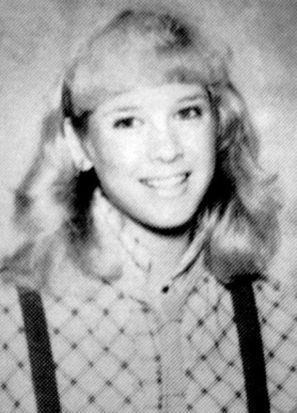 Celebrities When They Were in High School (22 pics)
