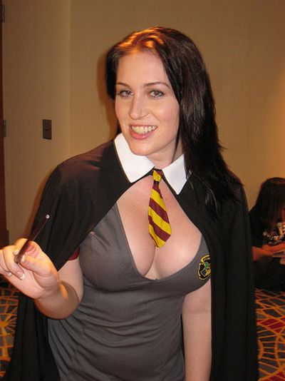 Cute Girls in Hermione Granger Costumes (22 pics)