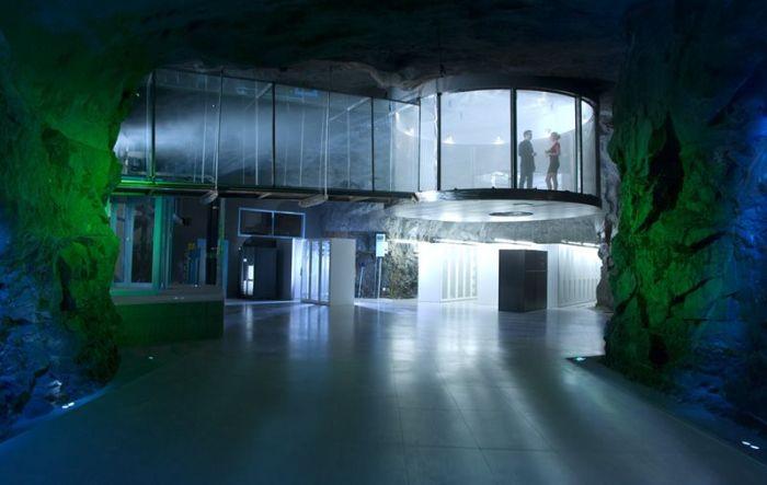 Datacenter Pionen (17 pics)
