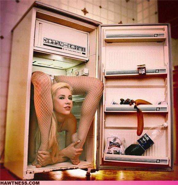 Hot Girls Doing Strange Things. Part 5 (40 pics)