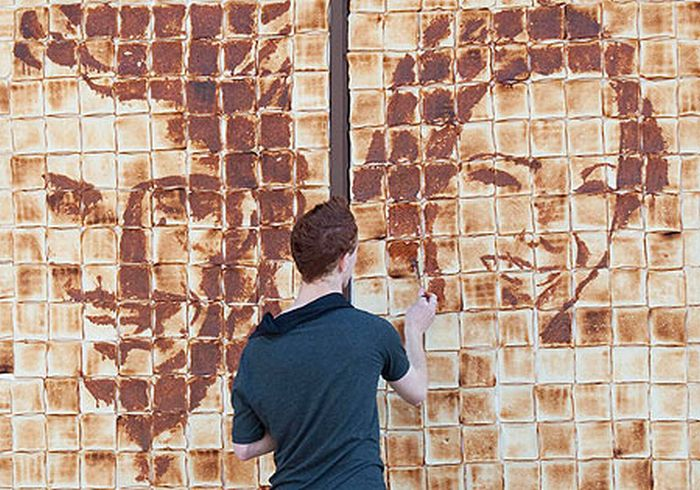 Welsh Artist Paints with Jam and Toasts (7 pics)