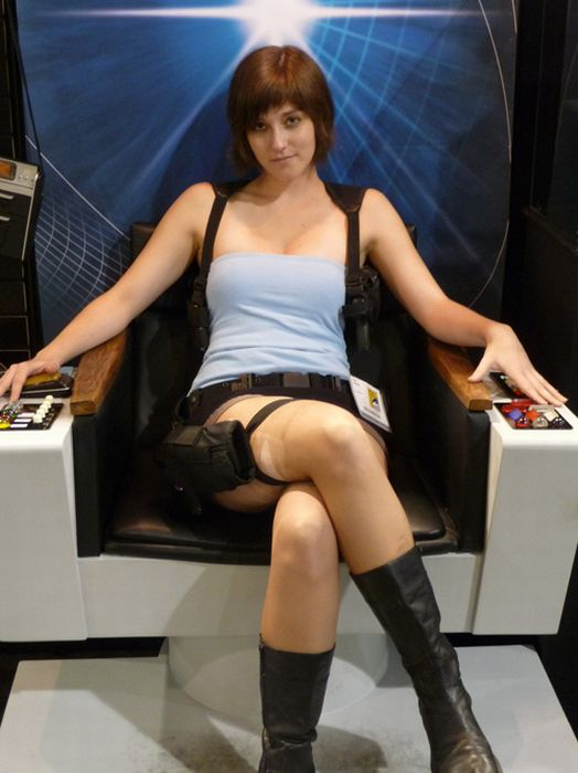 Hot Girls Dressed As Hot Video Game Characters (25 pics)