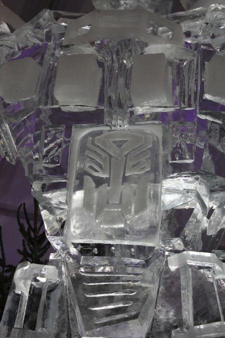 Optimus Prime Ice Sculpture (5 pics)